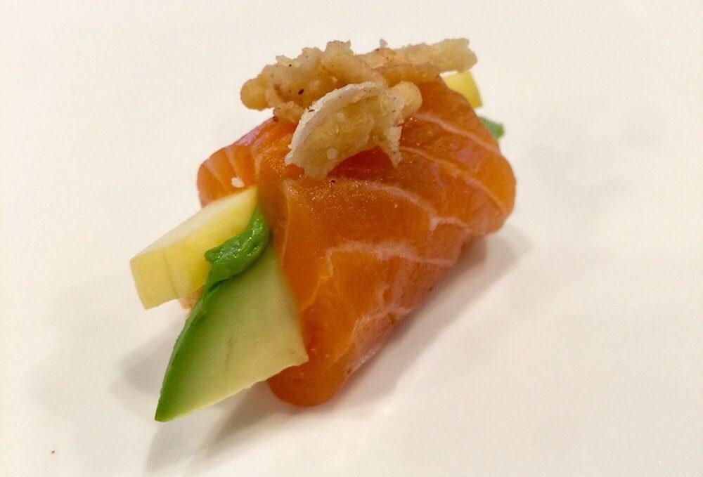 Jeff Special (crabmeat, mango, avocado, salmon)