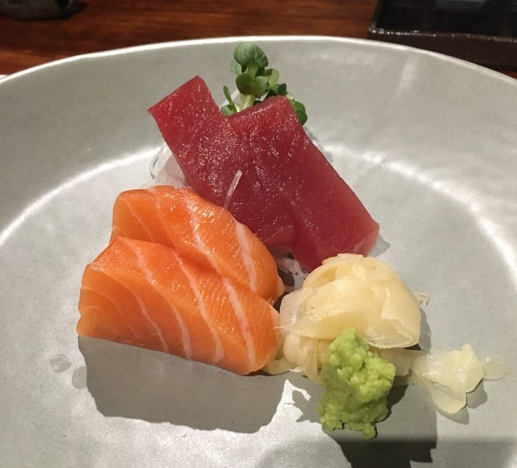 Sashimi Tuna (2 pieces)