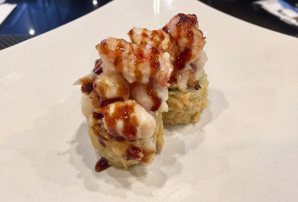 Crazy Monkey (baked scallop and langostino on tempura california roll)