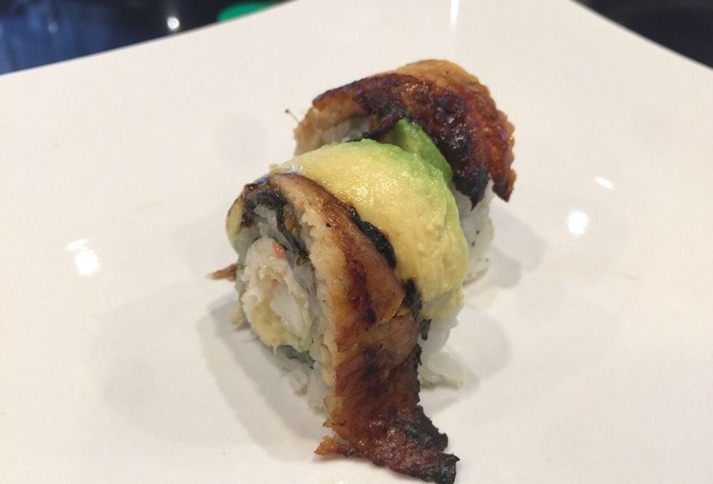 Godzilla (baked eel, avocado on crunch roll)